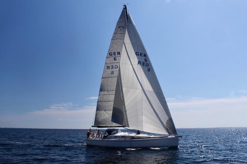UK_Sails_Titanium_A_370_600x800